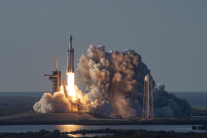 Spacex Falcon Heavy Arabsat 6a Hd Wallpaper Background