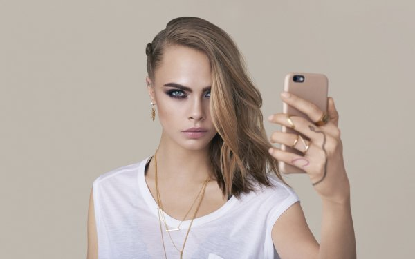 Celebrity Cara Delevingne Models United Kingdom Actress Model Blonde Smartphone English Blue Eyes HD Wallpaper | Background Image
