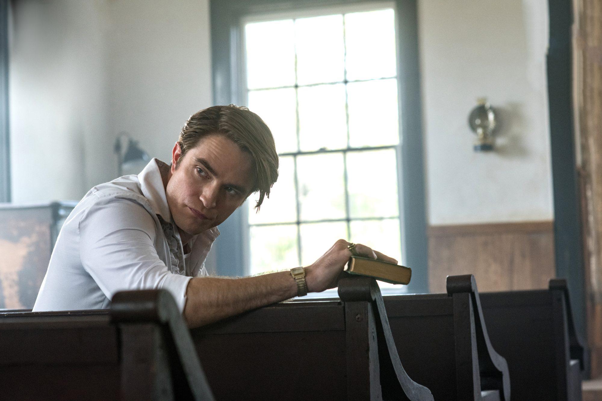 Robert Pattinson em O Diabo de Cada Dia