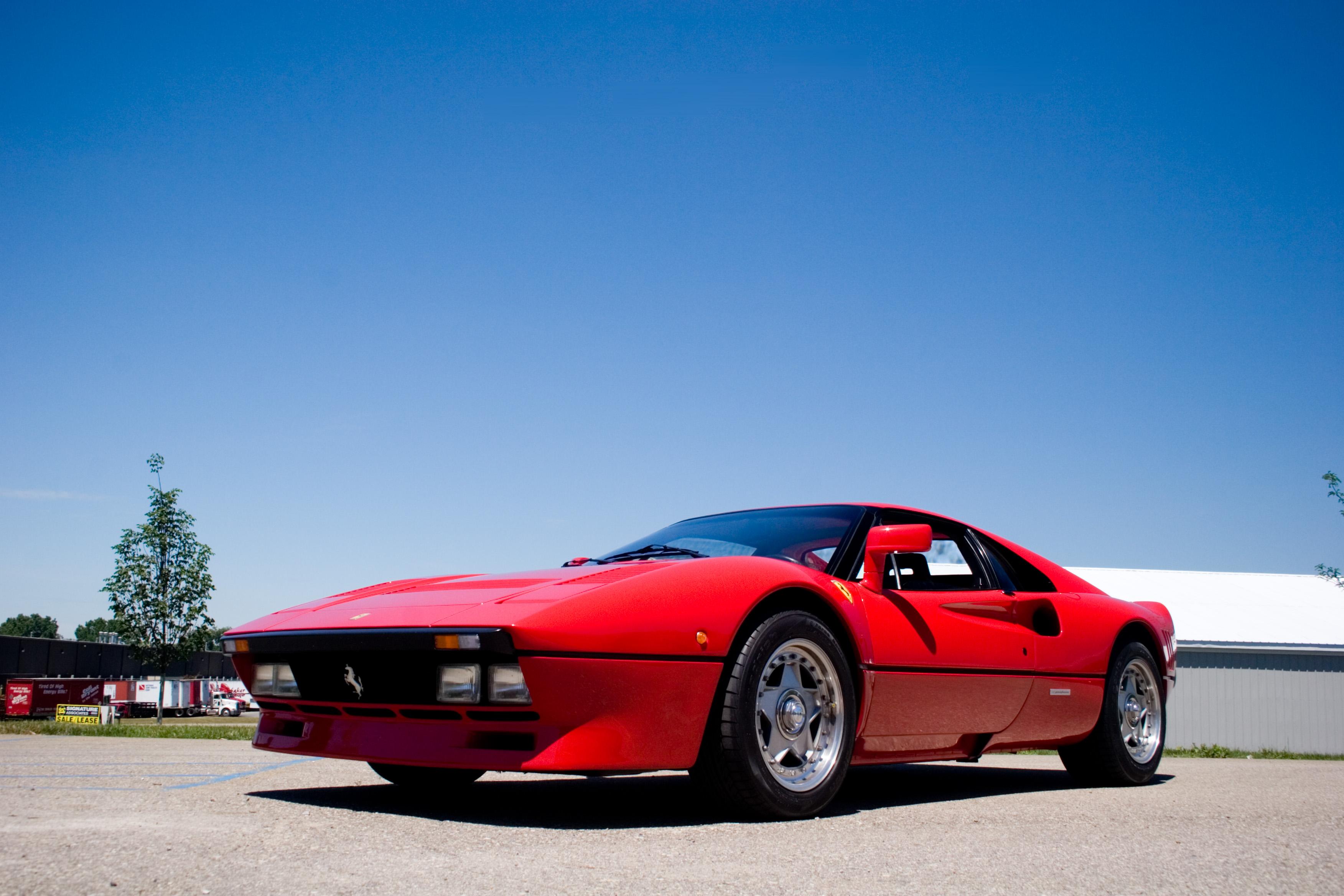 ... Ferrari 288 GTO WALLPAPERS crankandpiston-9