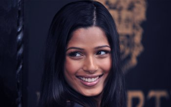 Celebrity - Freida Pinto Wallpapers and Backgrounds ID : 303417