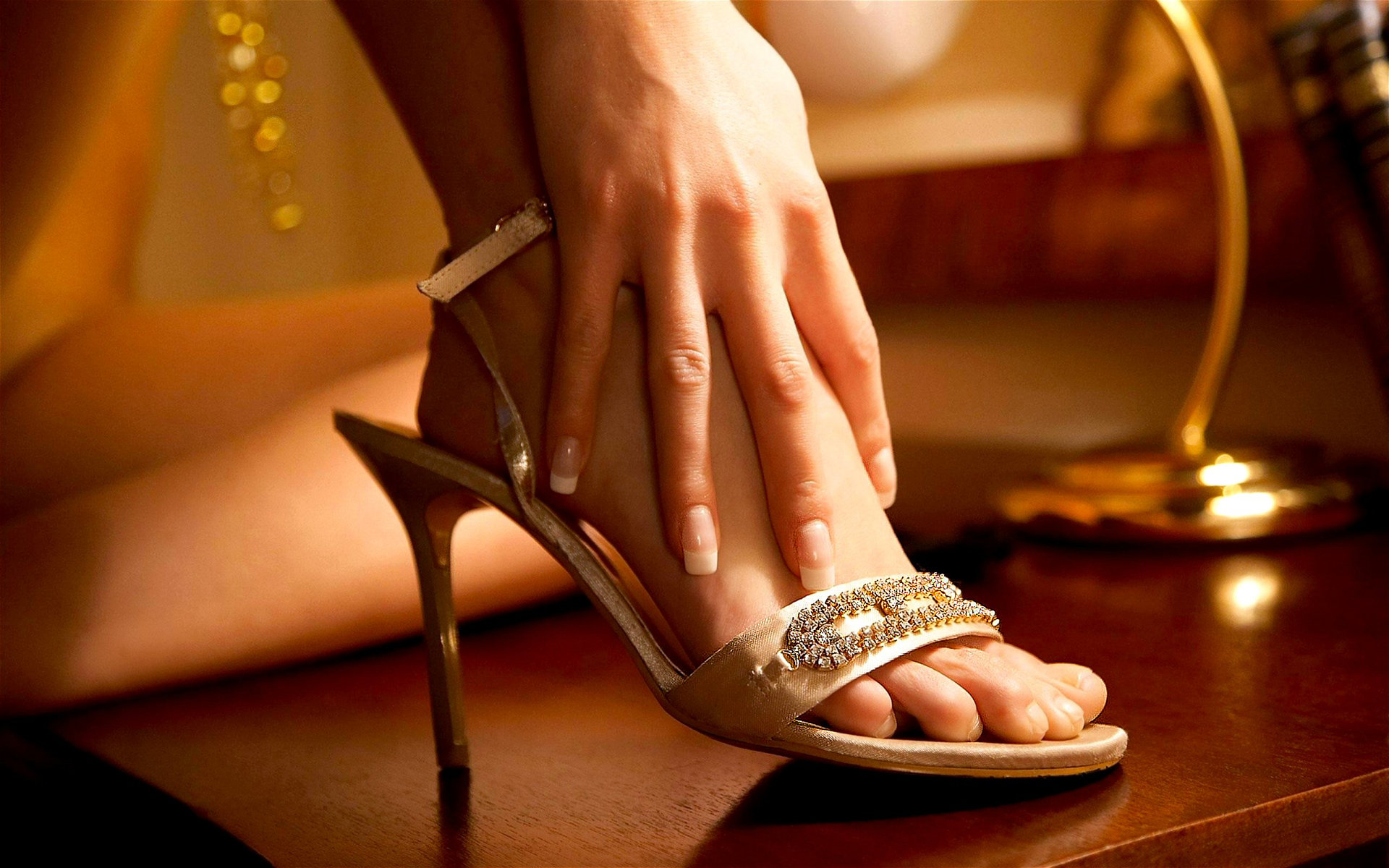 Women - Feet  Cinderella Shoe Hand Wallpaper