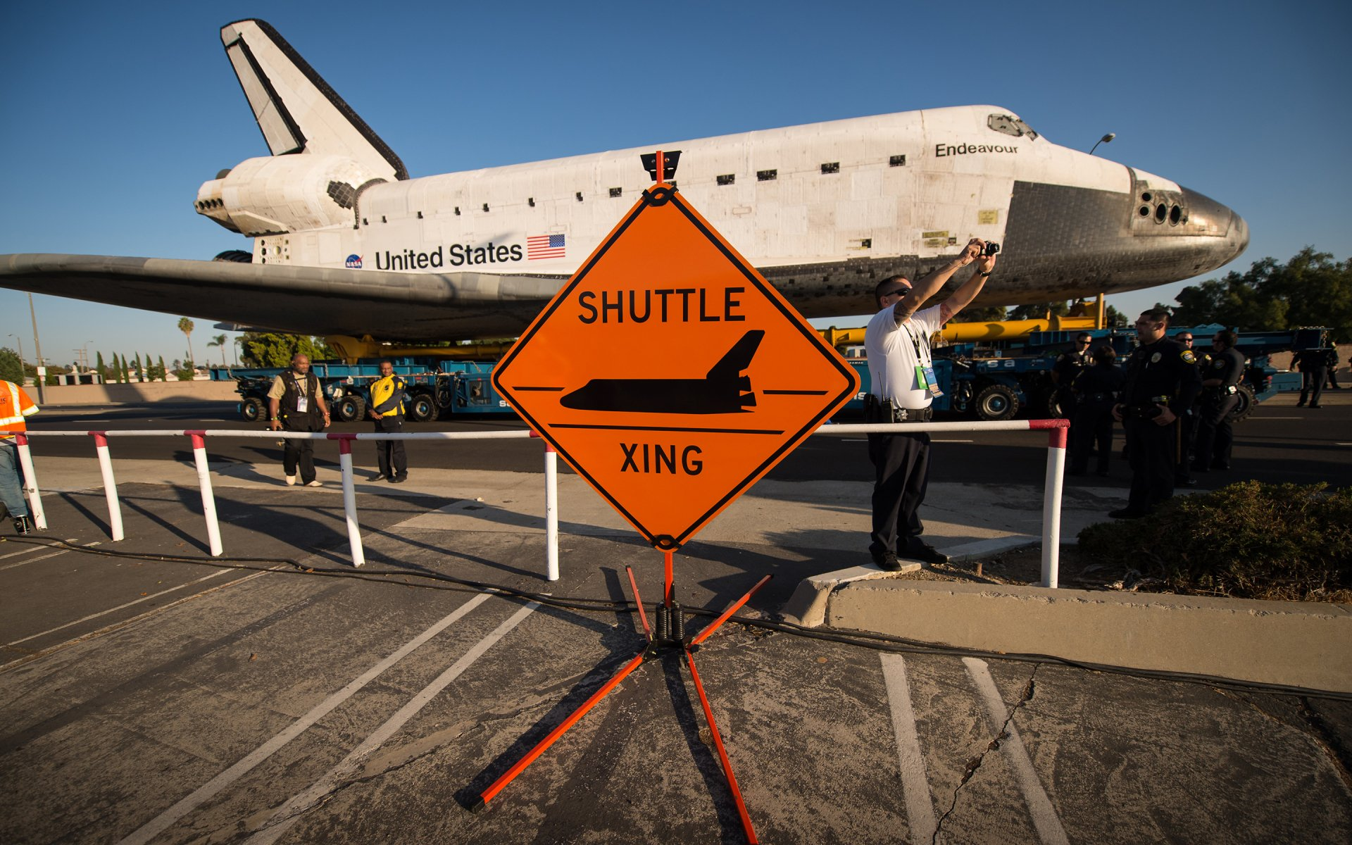 Vehicles - Space Shuttle Endeavour  Shuttle Airplane NASA Space Shuttle Wallpaper