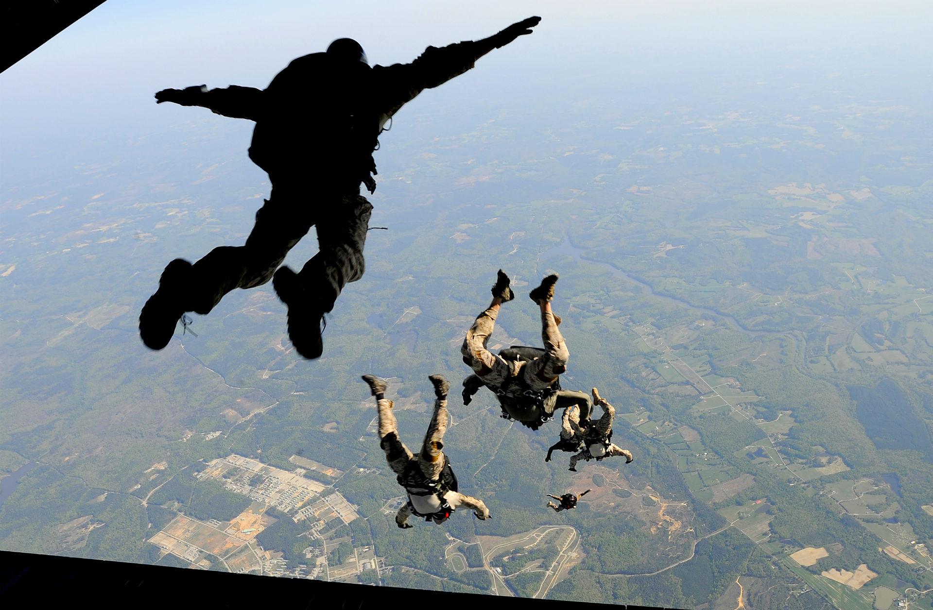 skydiving wallpaper download