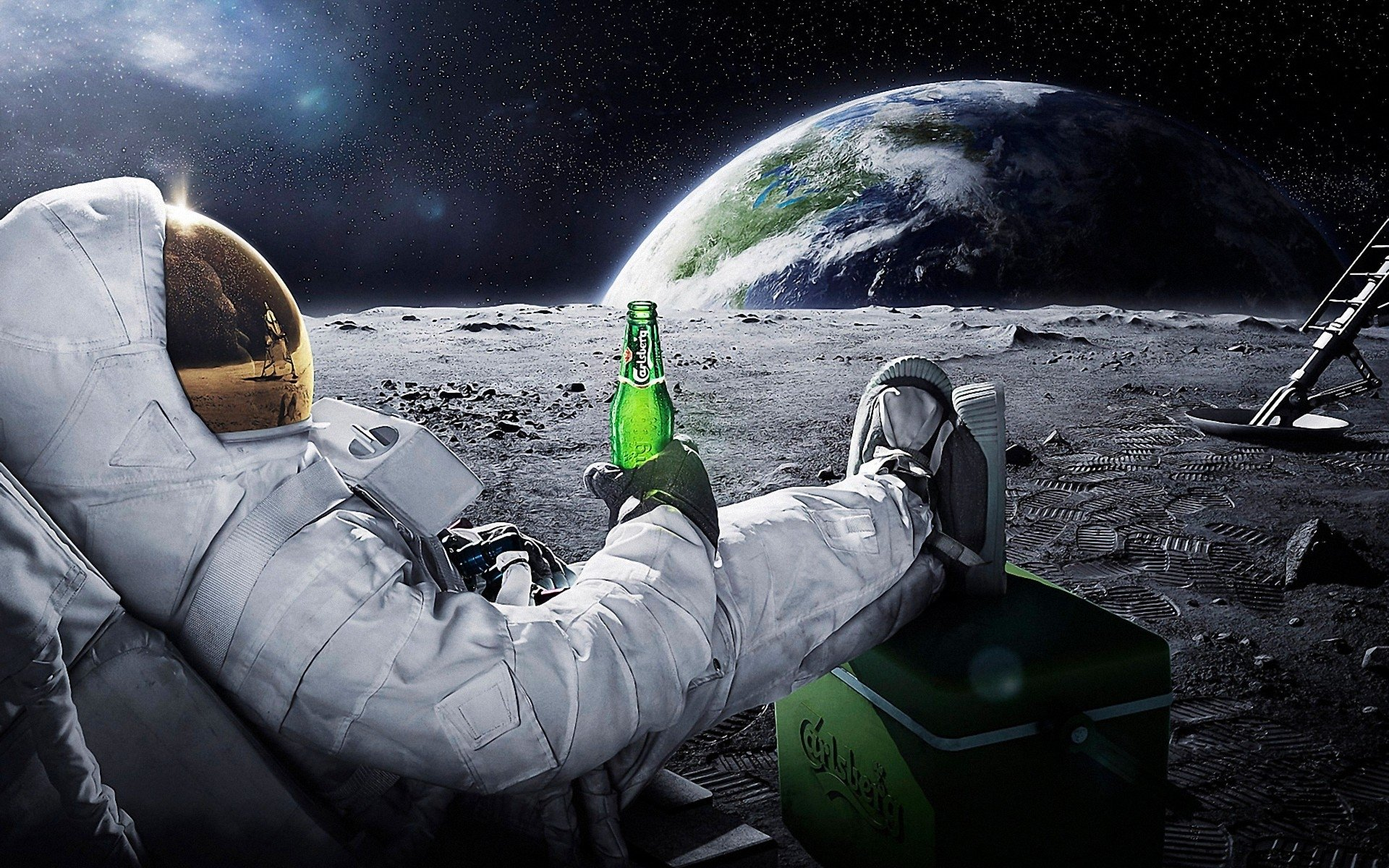 Sci Fi - Astronaut  Beer Wallpaper