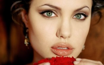 Celebrity - Angelina Jolie Wallpapers and Backgrounds ID : 323121