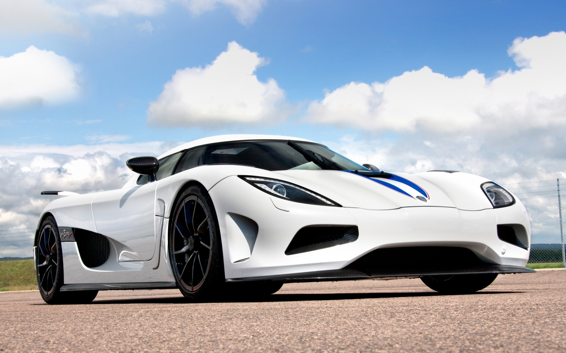 103 Koenigsegg Wallpapers | Koenigsegg Backgrounds