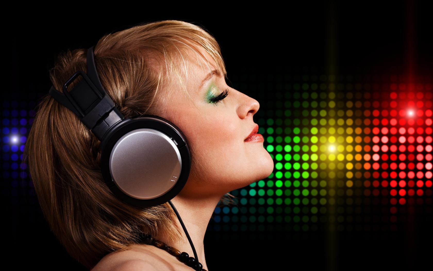 Ver Video Musical Crazy Little Party Girl - fusavideoscom
