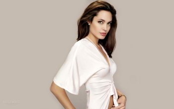Celebrity - Angelina Jolie Wallpapers and Backgrounds ID : 337870