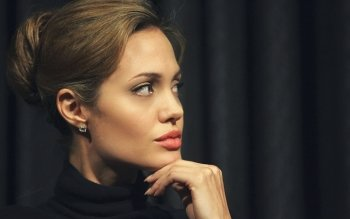 Celebrity - Angelina Jolie Wallpapers and Backgrounds ID : 341625
