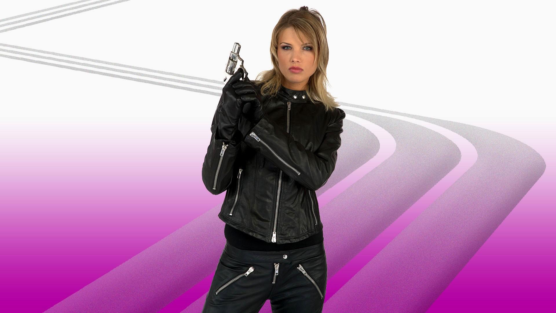 gun girl computer wallpapers - photo #17