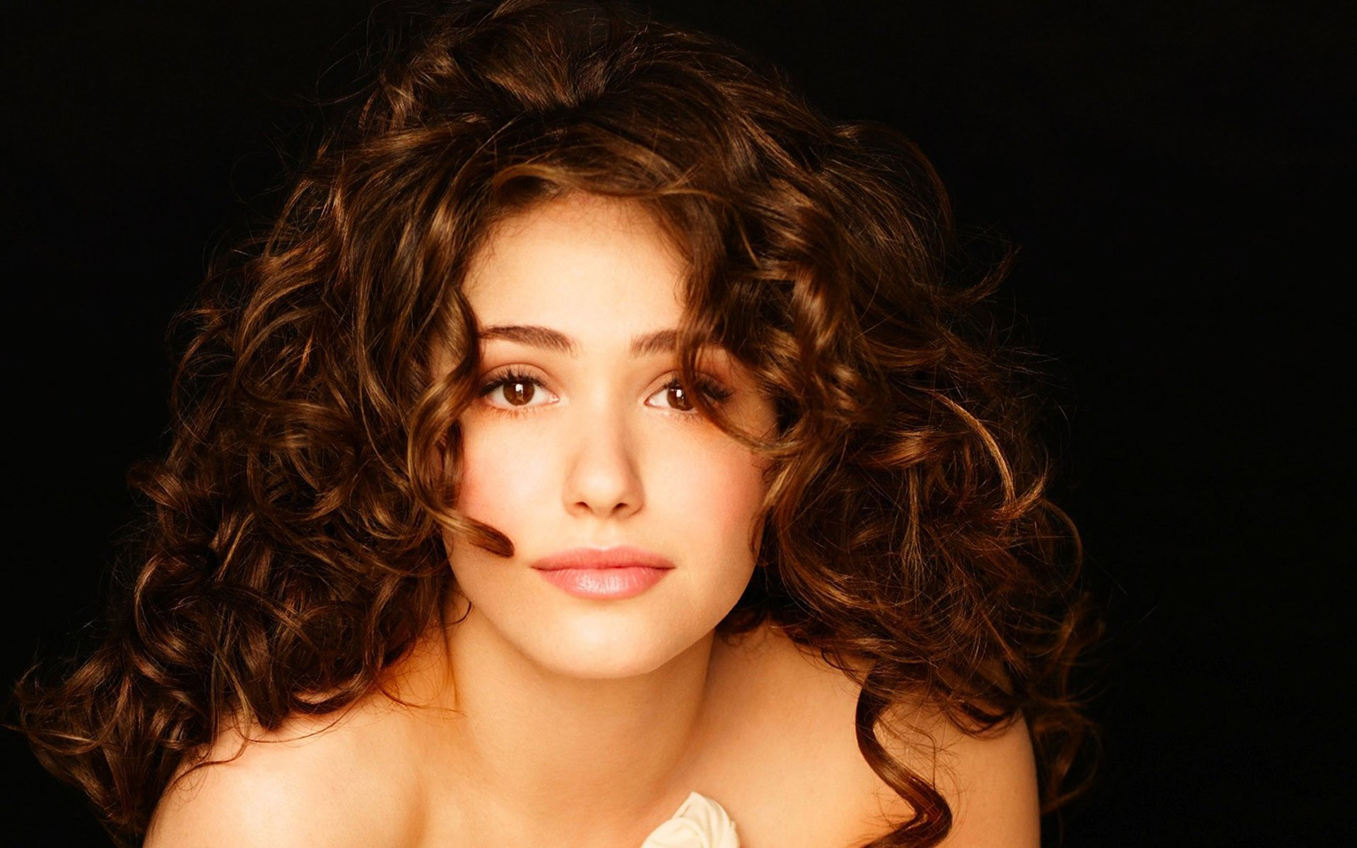 44 emmy rossum hd wallpapers | background images - wallpaper abyss