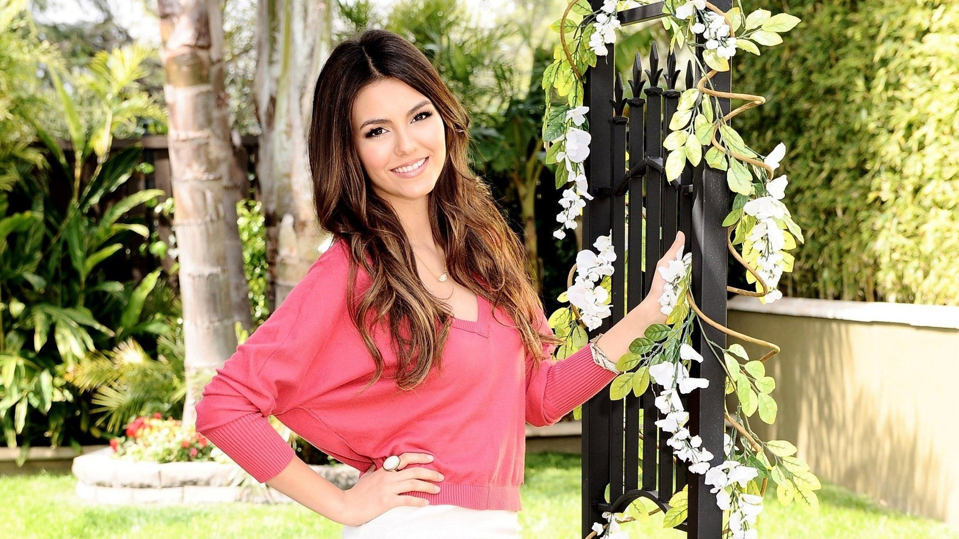 Victoria Justice Wallpapers ID358526