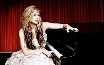 Music - Avril Lavigne Wallpapers and Backgrounds ID : 389383