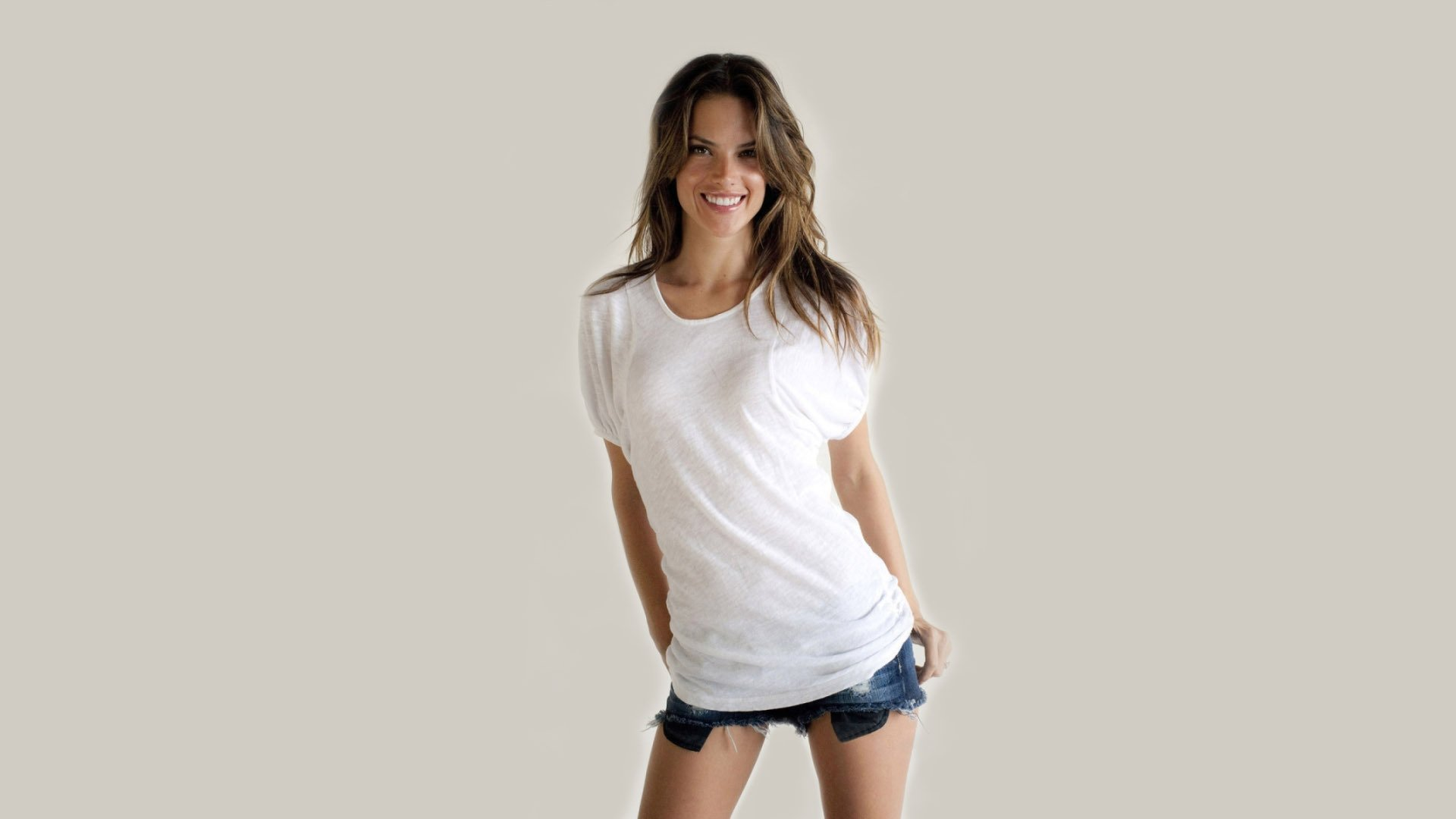 Alessandra Ambrosio Wallpapers ID407319