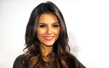 Berühmte Personen - Victoria Justice Wallpapers and Backgrounds ID : 407405