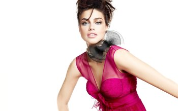 Celebrity - Adriana Lima Wallpapers and Backgrounds ID : 409866