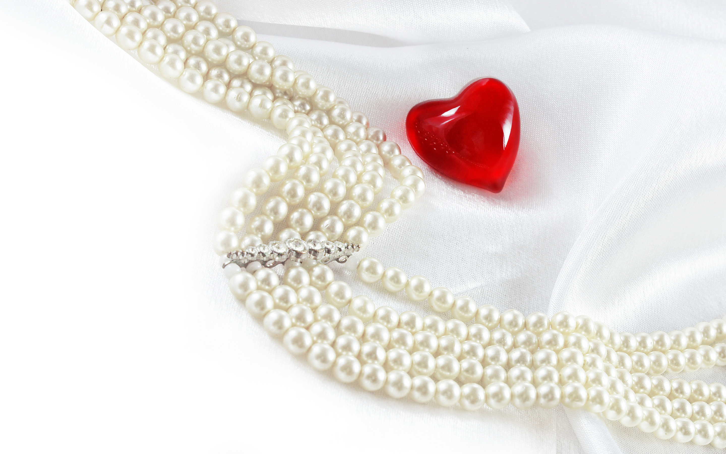 Jewelry Full Hd Wallpaper And Background Image 2880x1800