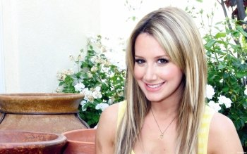 Beroemdheden - Ashley Tisdale Wallpapers and Backgrounds ID : 420057