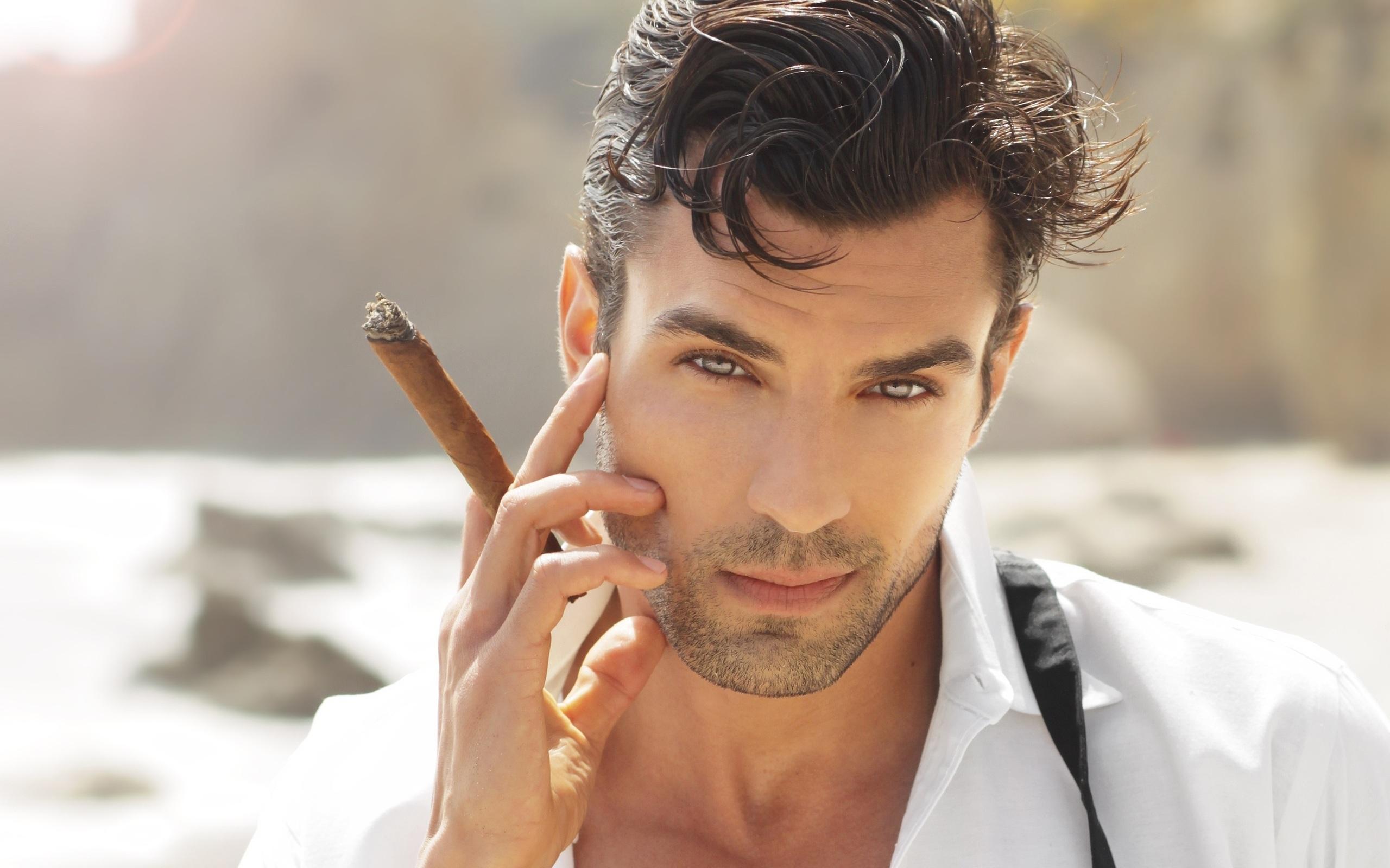 Images - Cigar smoking hunks