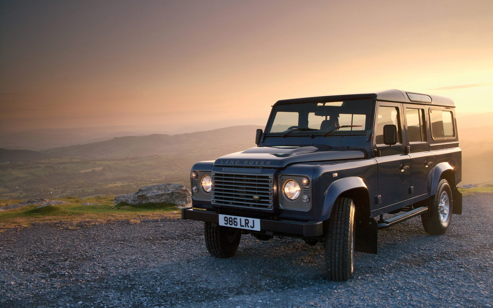 47 Land Rover Defender HD Wallpapers | Background Images - Wallpaper