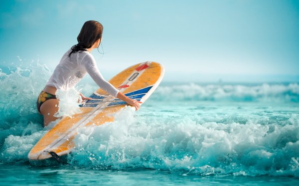 Sports - Surfing Wallpapers and Backgrounds