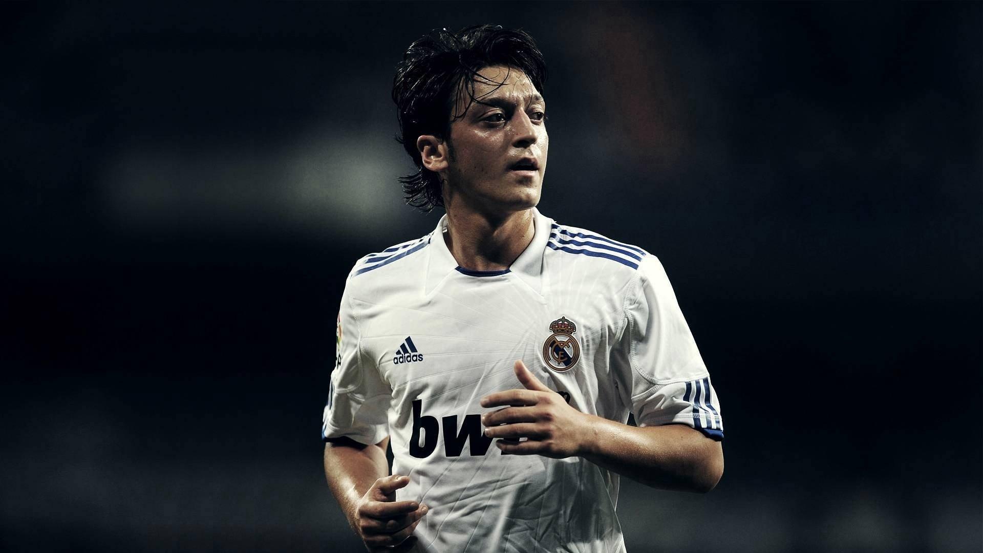 Mesut Ozil ~ Real Madrid HD Wallpaper