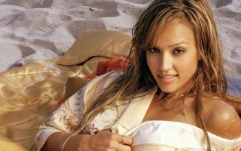 Celebrity - Jessica Alba Wallpapers and Backgrounds ID : 449065