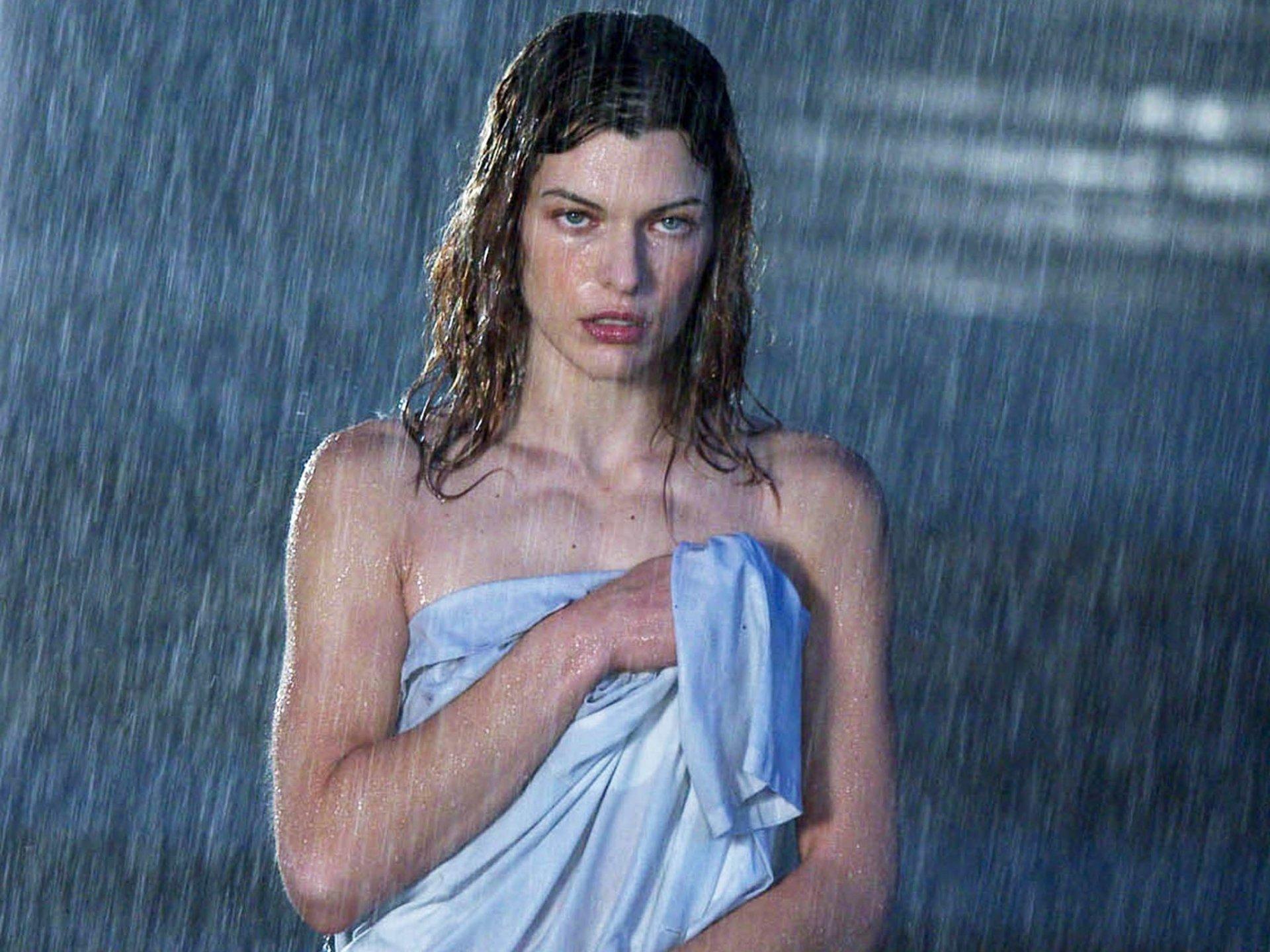 Movie - Resident Evil: Apocalypse  Milla Jovovich Wallpaper