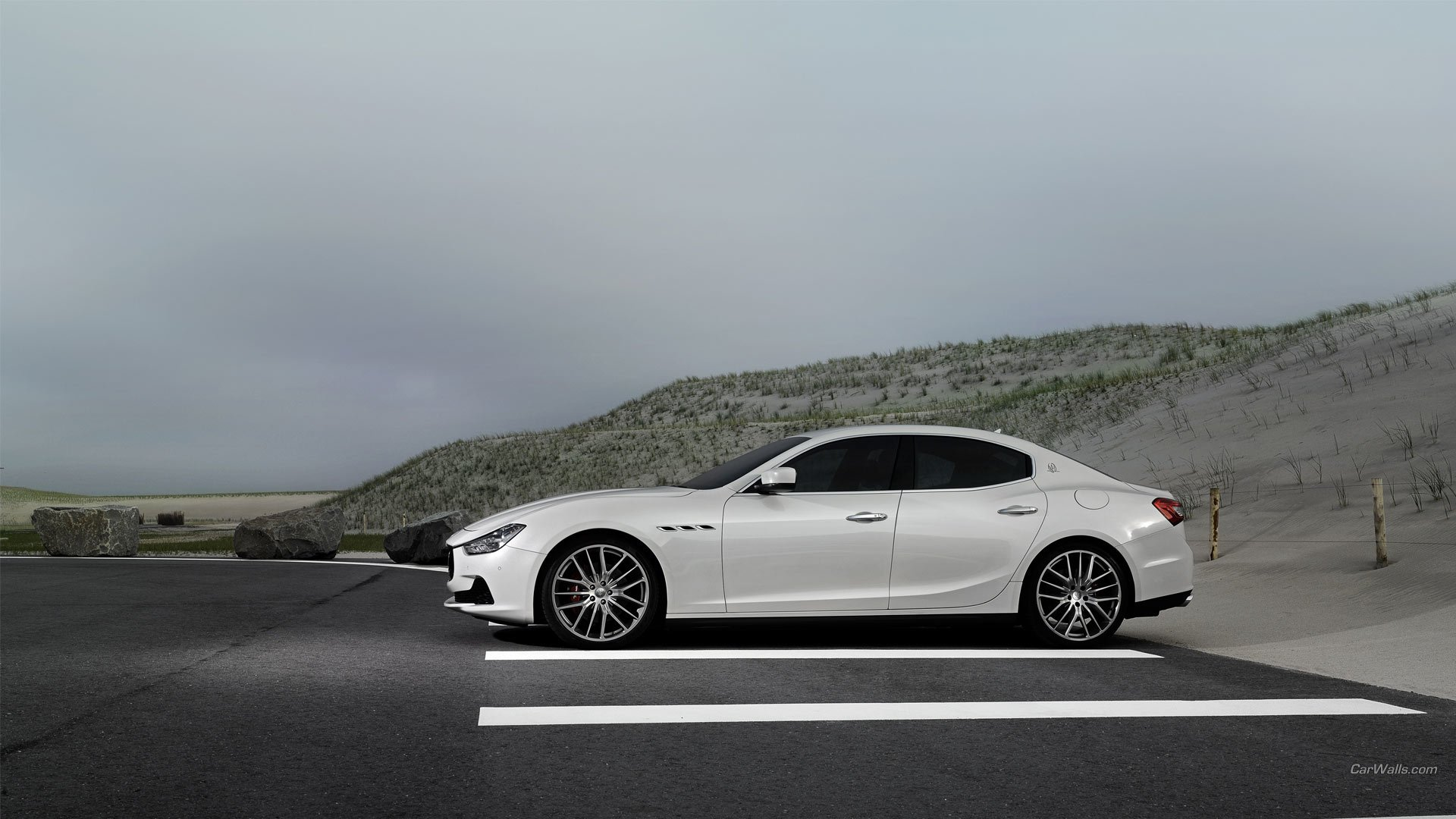 Vehicles - Maserati Ghibli  Wallpaper