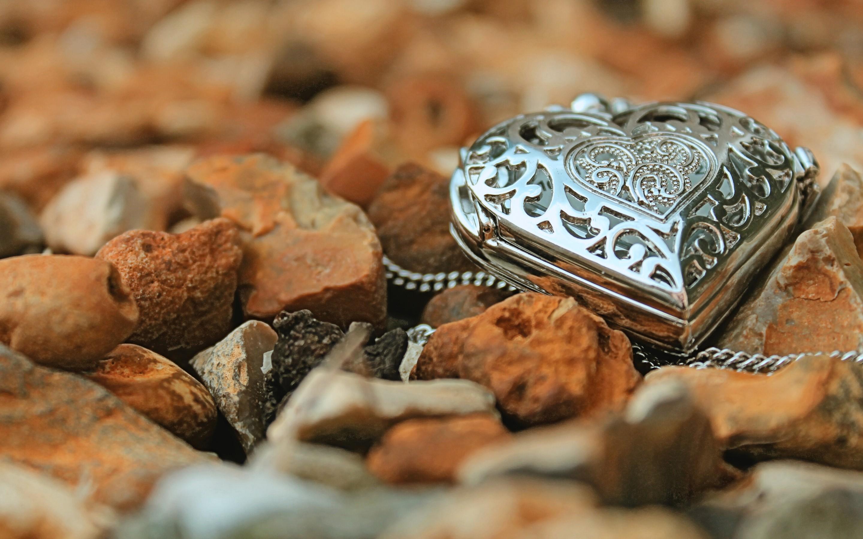 Jewelry HD Wallpaper | Background Image | 2880x1800 | ID ...