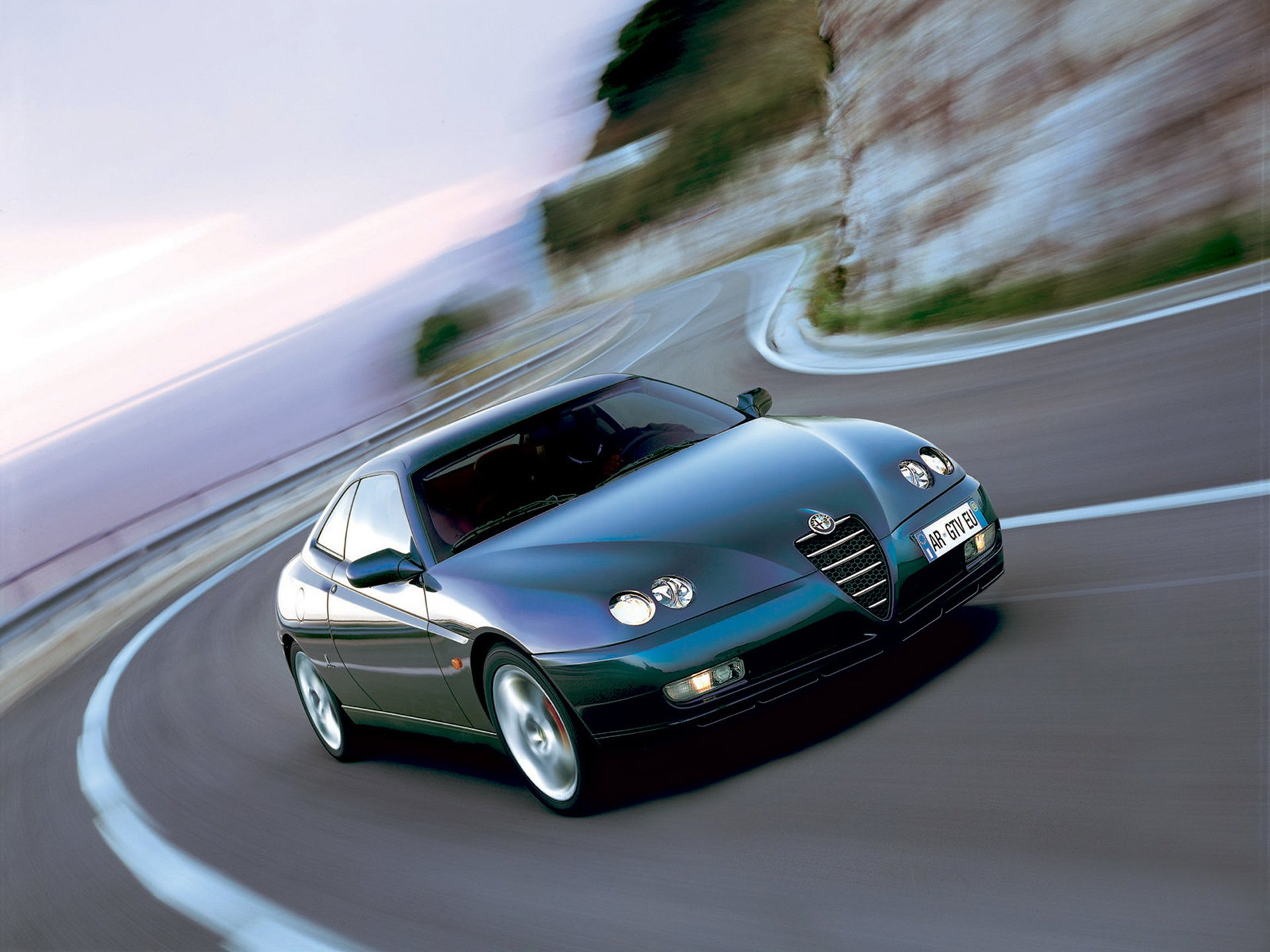 Alfa Romeo Gtv Hd Wallpaper Background Image 1920x1440 Id 468601 Wallpaper Abyss