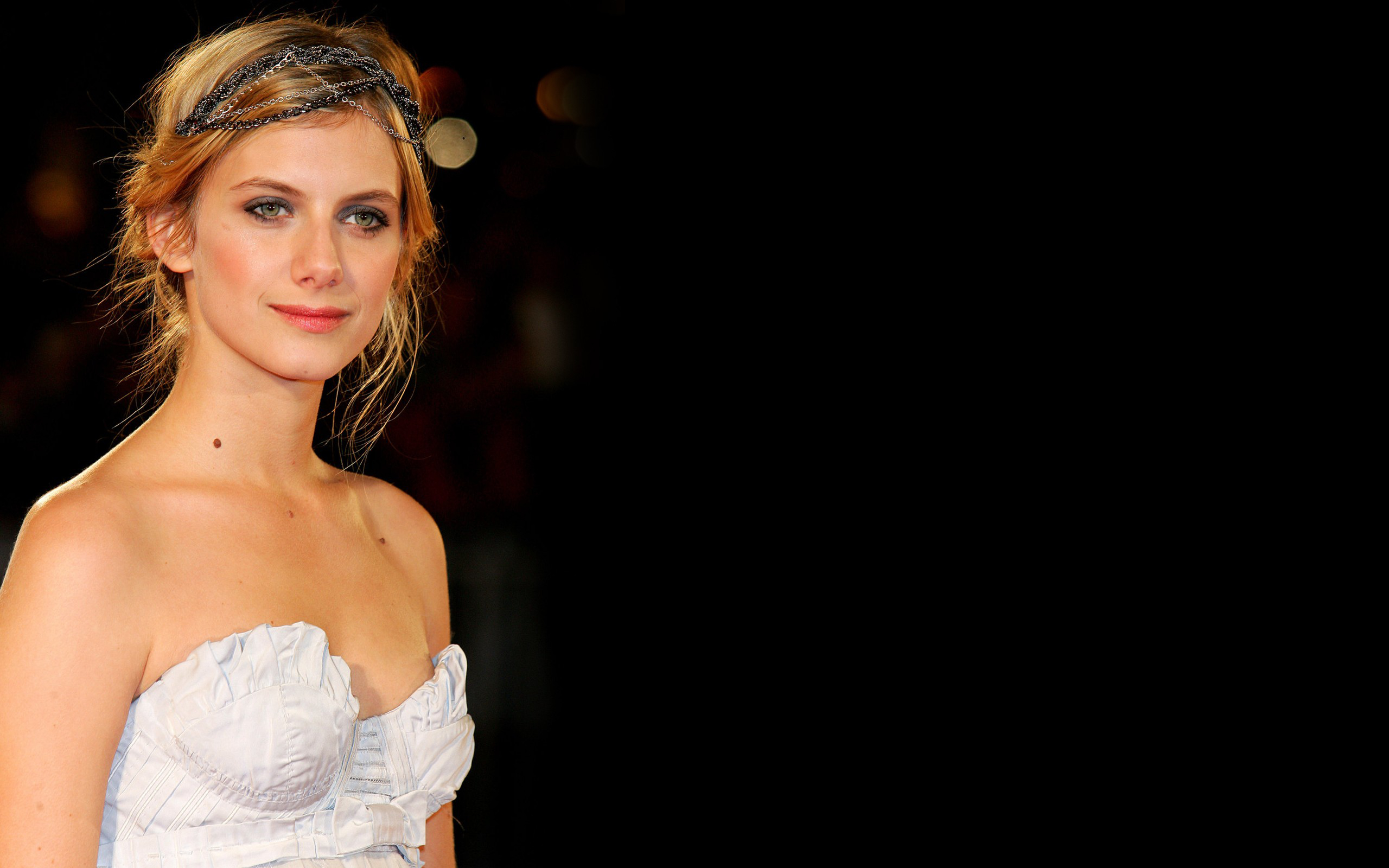 melanie laurent full hd wallpaper and background image