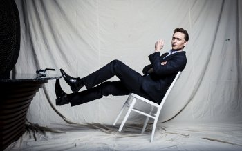 Celebrity - Tom Hiddleston Wallpapers and Backgrounds ID : 493058