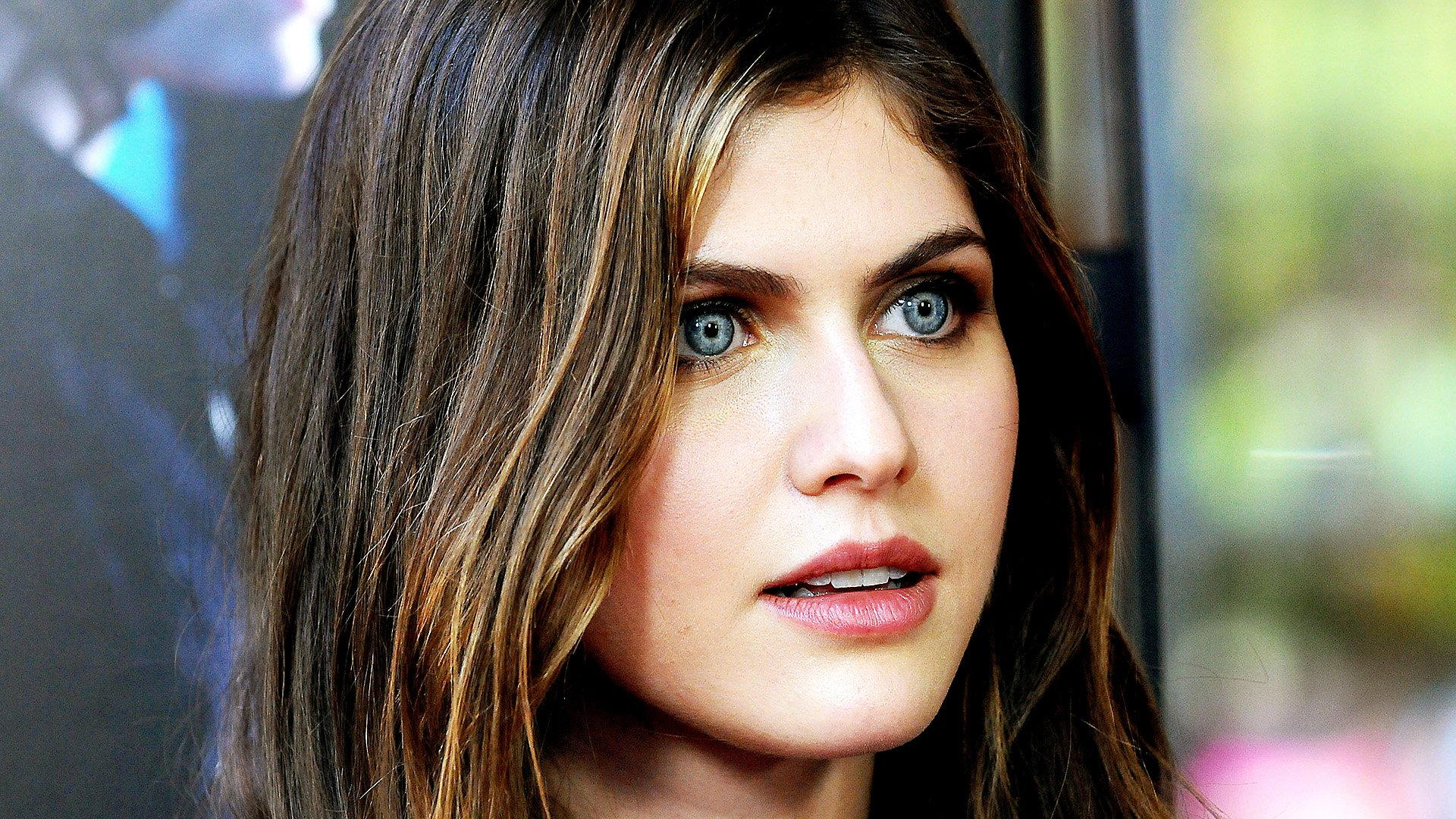Alexandra Daddario Woman HD Wallpaper