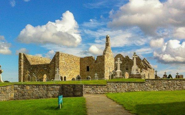 Religious Clonmacnoise Monastery Clonmacnoise Ireland Cross Monastery Cemetery Building Architecture HD Wallpaper | Background Image