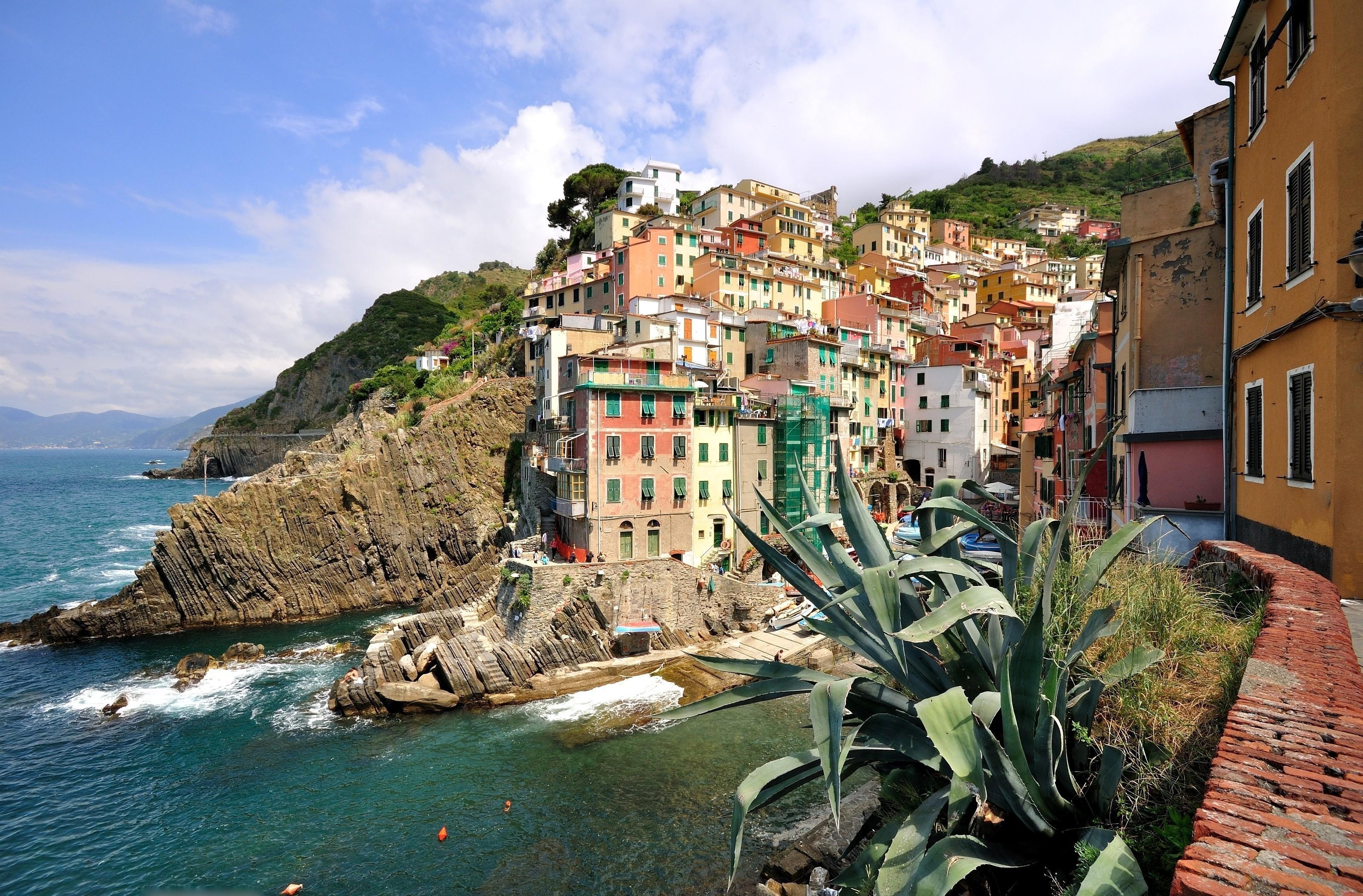 Man Made - Riomaggiore Cinque Terre Liguria Italy Wallpaper
