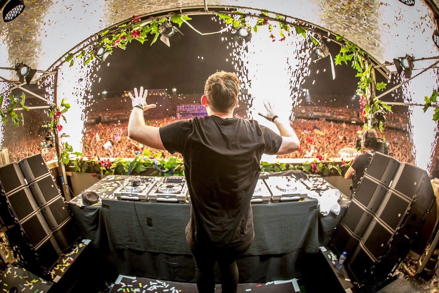 Music - Hardwell  DJ Tomorrowland Wallpaper
