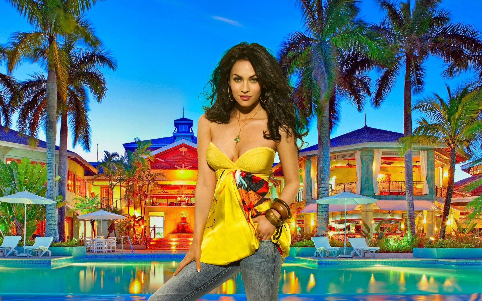 Celebrita' - Megan Fox  Turchese Riflessi Colorful Palma Tropicale Modelle Sfondo