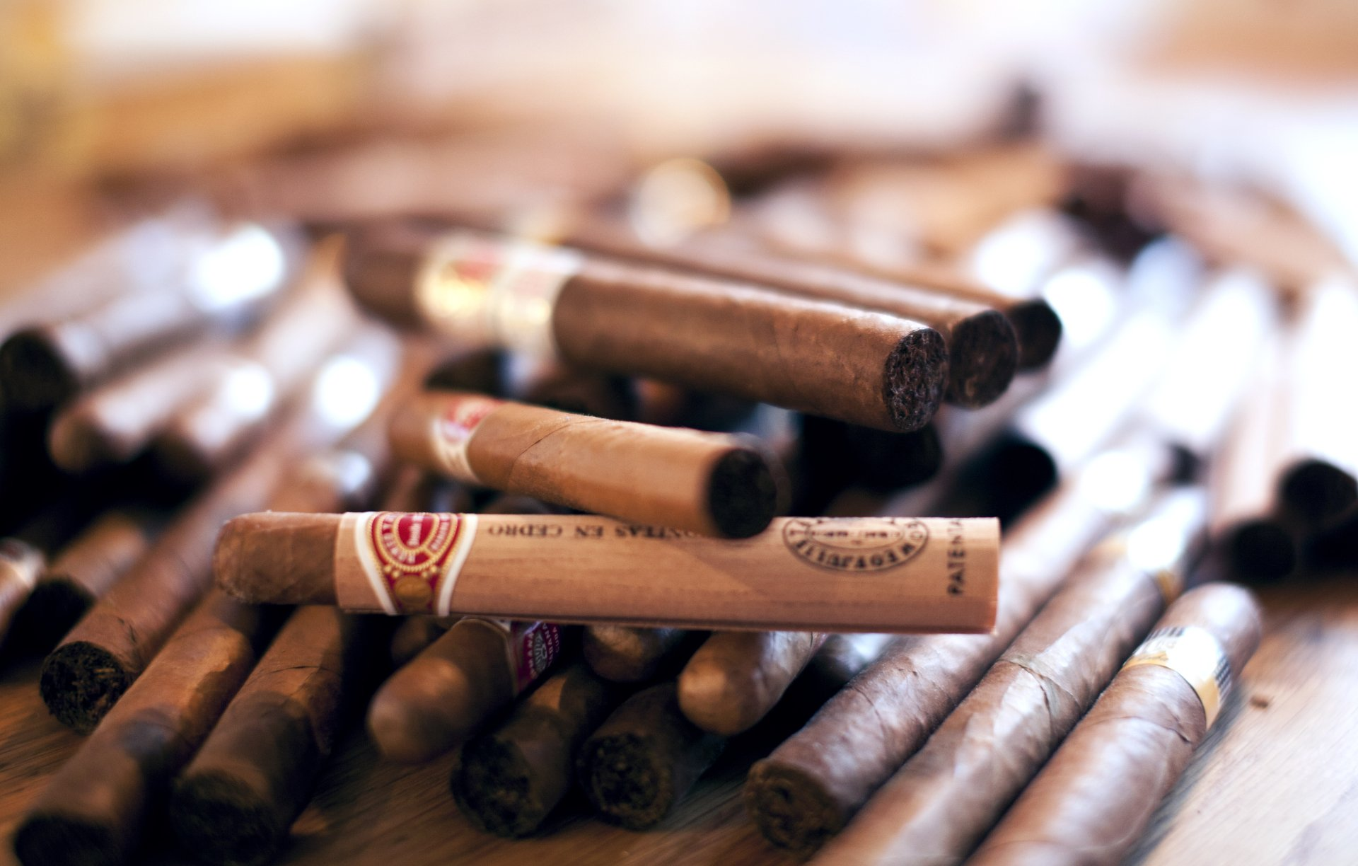 Открытка сигары