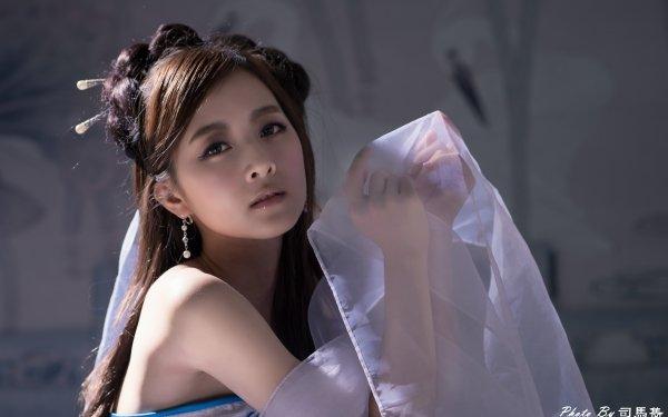 Women Mikako Zhang Kaijie Models Taiwan Asian Taiwanese Chinese Hair-Dress Hairpin Earrings HD Wallpaper | Background Image