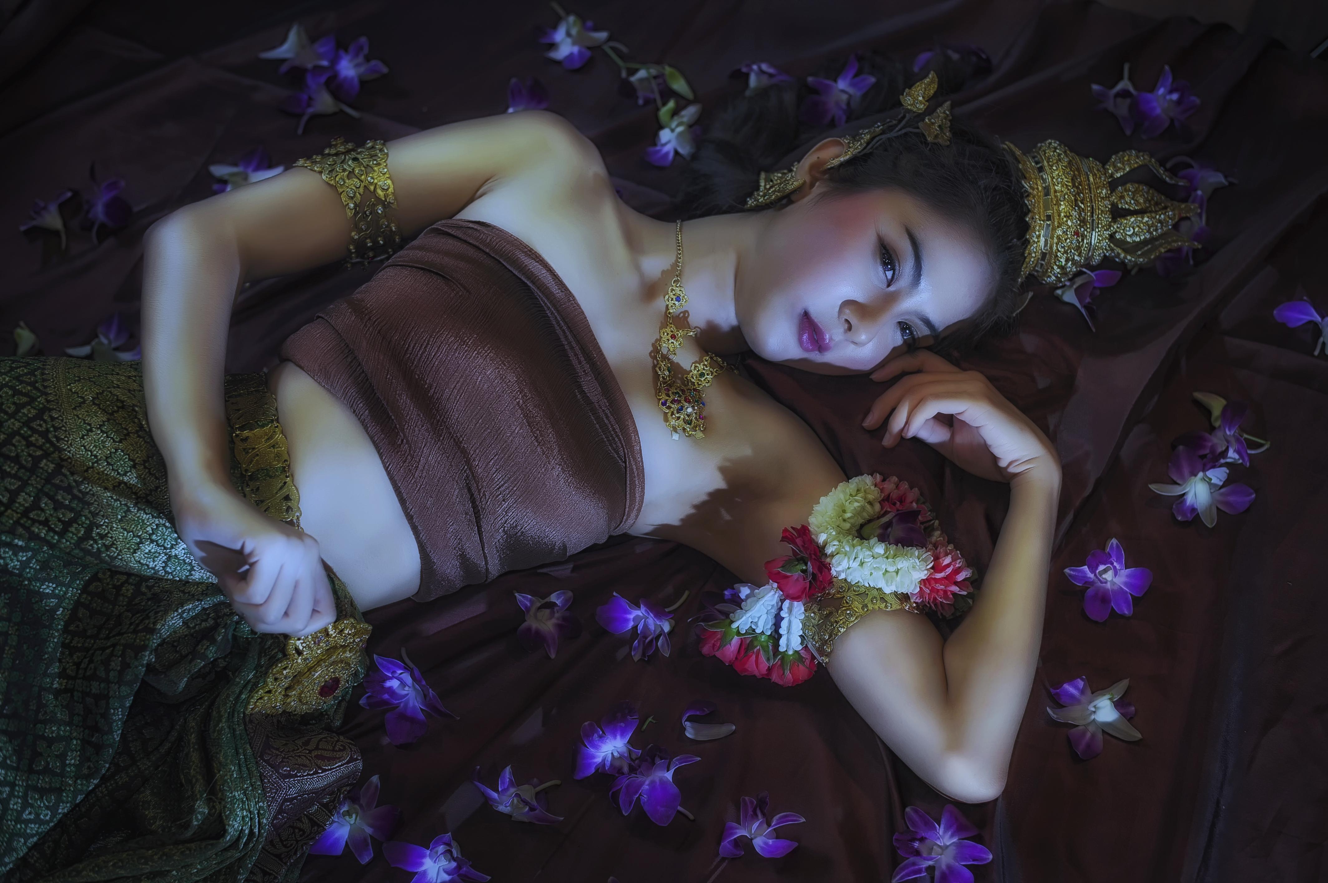 woman-beautiful-asian-bride-thai-mel-b-body-nude