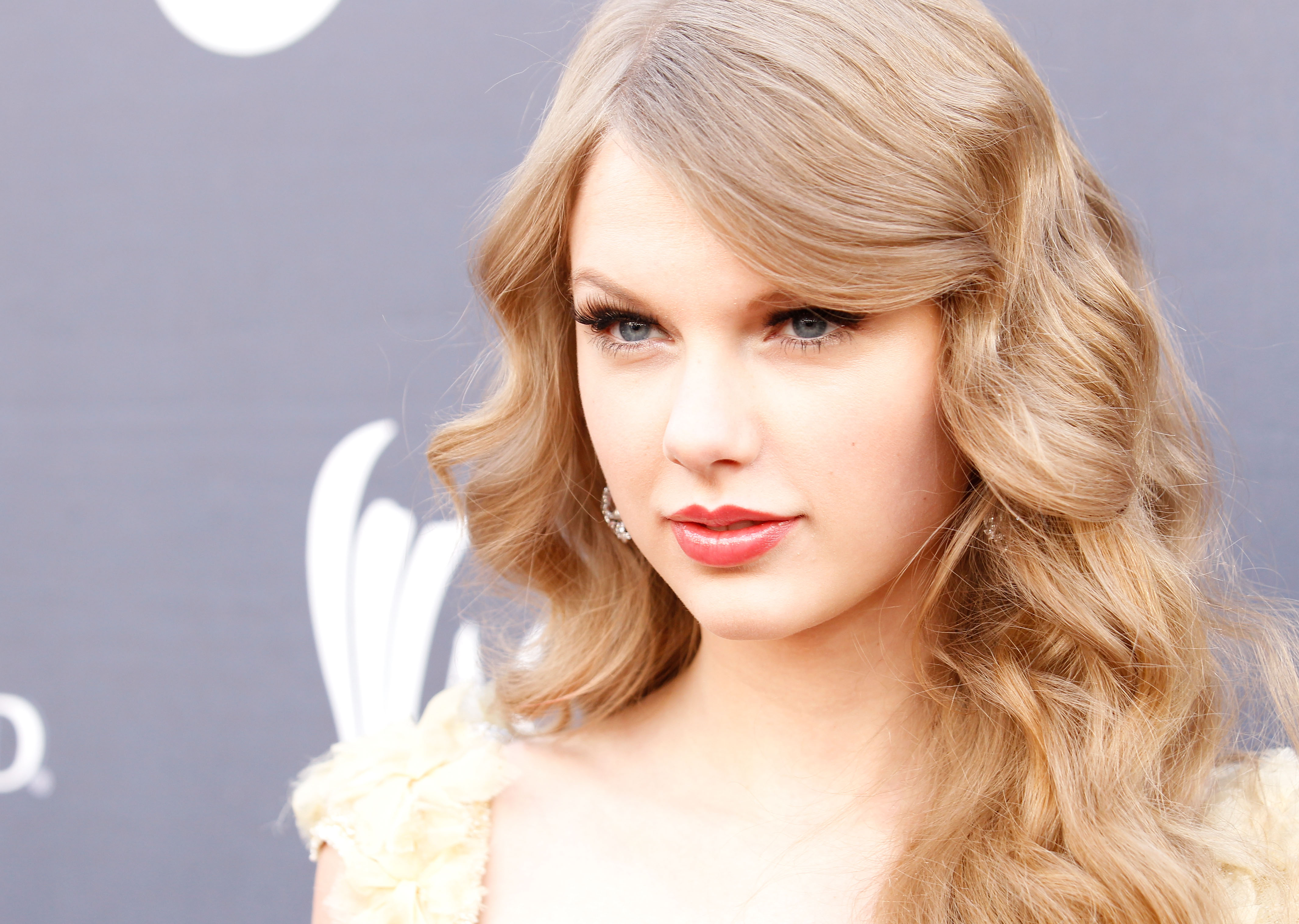 Taylor Swift 4k Ultra HD Wallpaper And Background Image