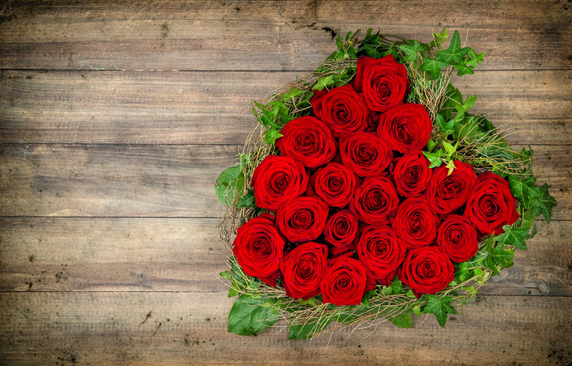 Photography - Love Heart Romantic Rose Red Rose Red Flower Wallpaper