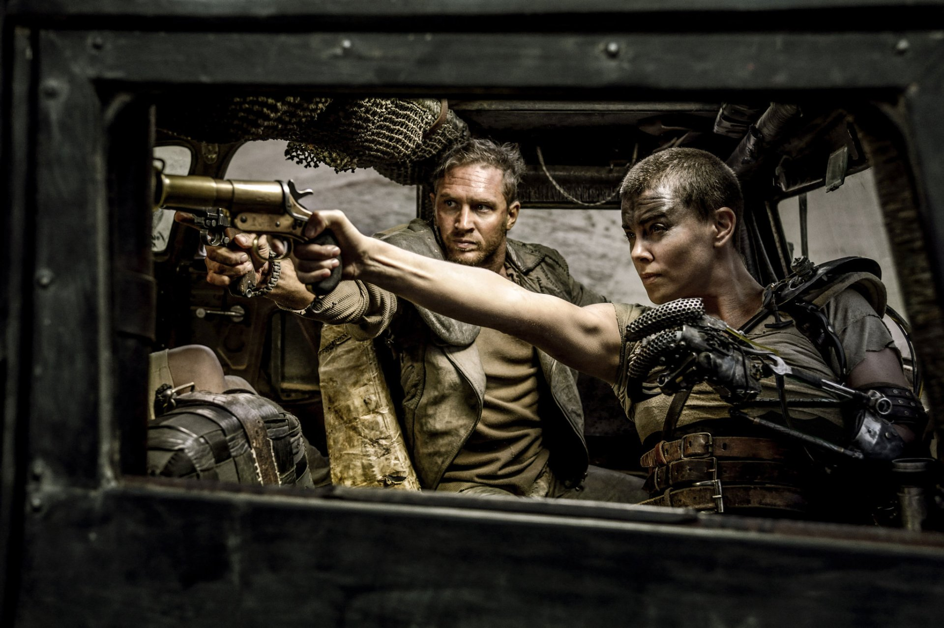 Movie - Mad Max: Fury Road  Tom Hardy Charlize Theron Mad Max Imperator Furiosa Wallpaper