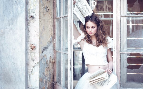 Women Model Models Brunette Brown Eyes Sheet Music HD Wallpaper | Background Image