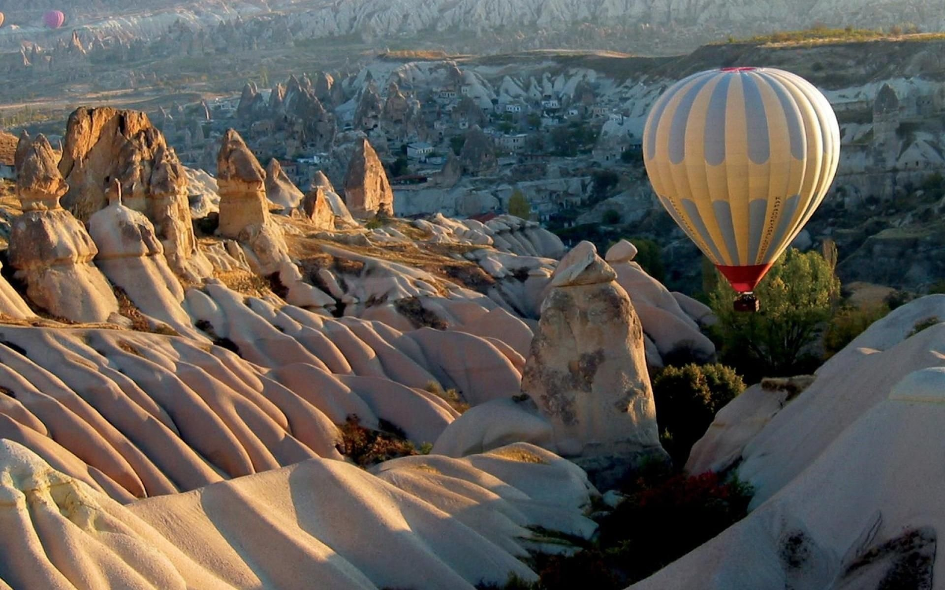 Vehicles - Hot Air Balloon  Cappadocia Wallpaper