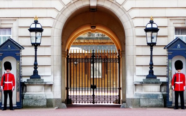 Man Made Buckingham Palace Palaces United Kingdom Guard Gate Palace Of Westminster London Lamp Post Building HD Wallpaper | Background Image