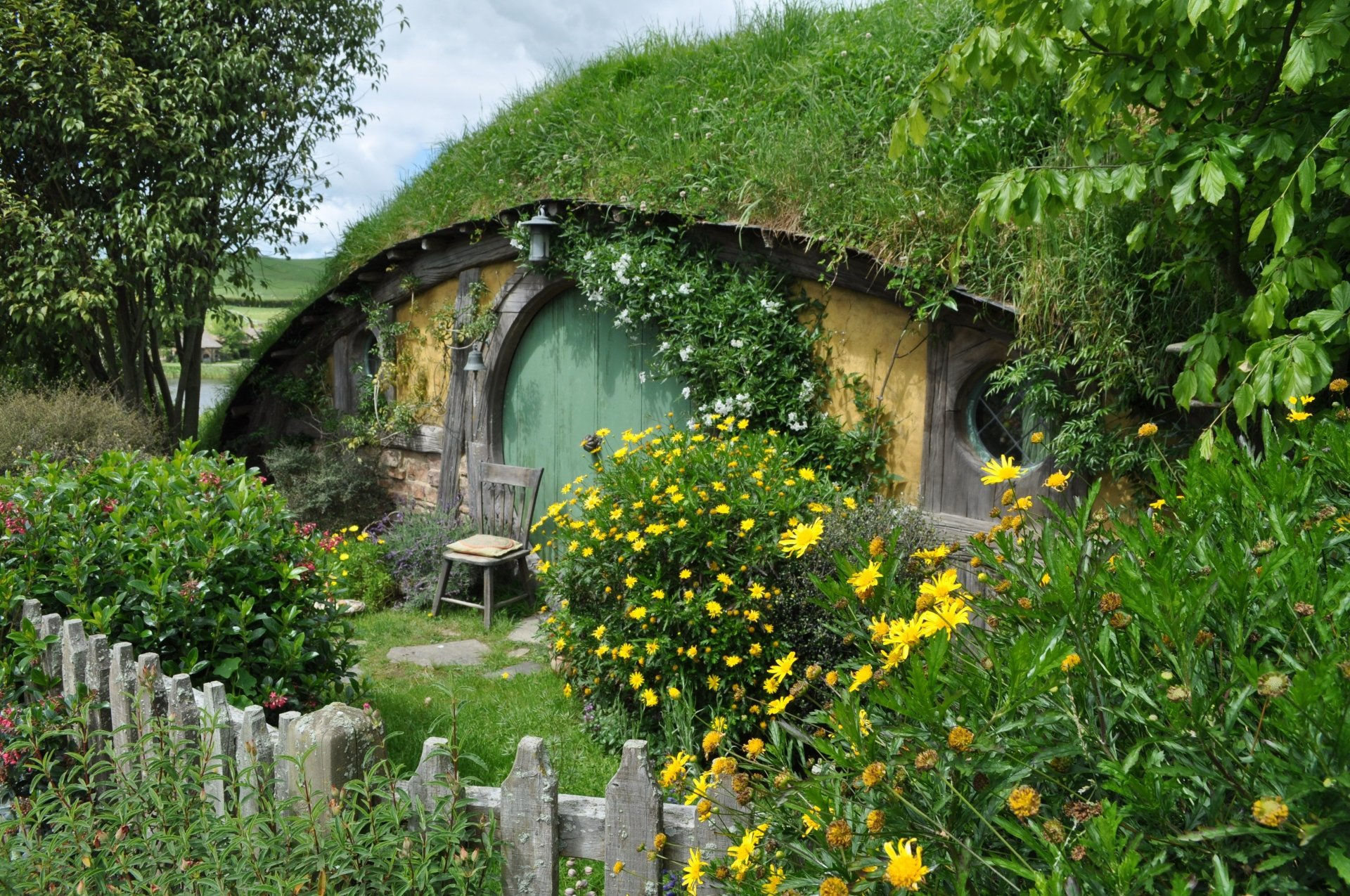 Hobbit house 4k ultra hd wallpaper and background for New house wallpaper