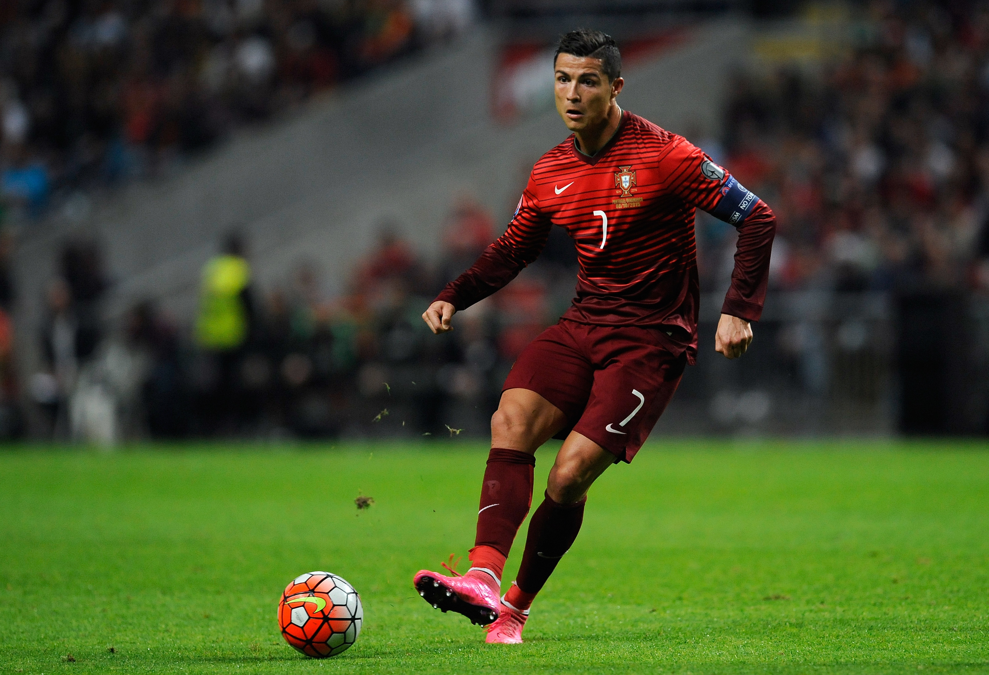 Cristiano ronaldo hd wallpaper background image 3204x2187 id 716405 wallpaper abyss - Hd photos of cr7 ...